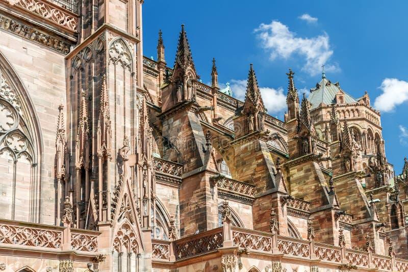 Download Известный Нотр-Дам De Страсбург, Стоковое Фото - изображение насчитывающей landmark, dame: 40575766