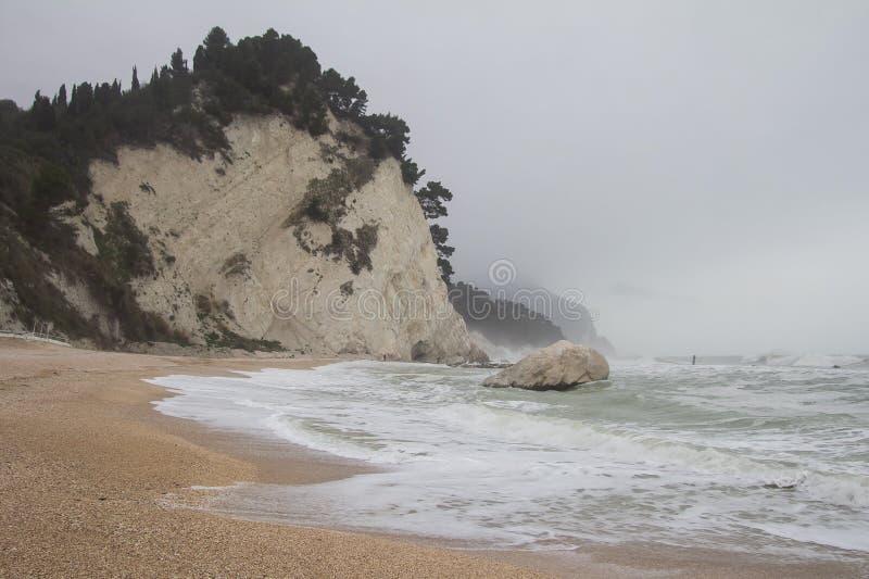 Известный пляж Numana (dei Frati), Monte Conero Spiaggia стоковая фотография rf