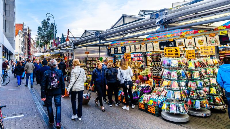 Известный рынок цветка Bloemenmarkt в Амстердаме в Netherland стоковое фото rf