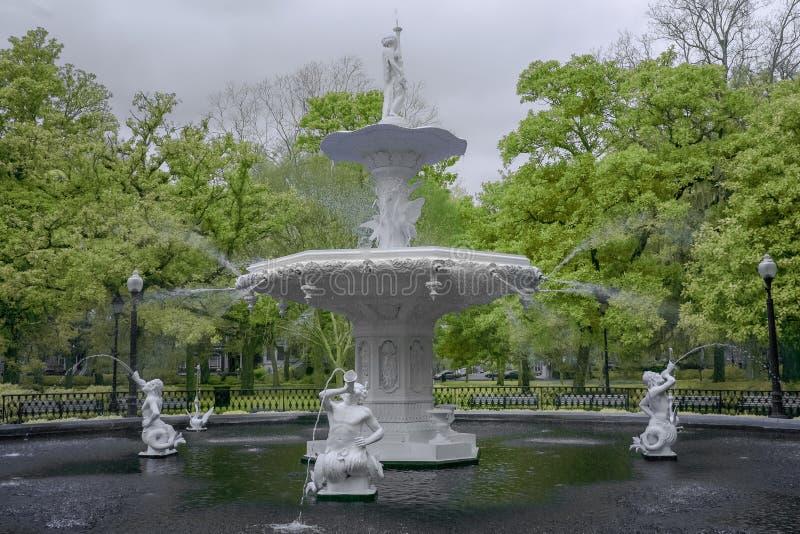 Известный фонтан на парке Forsyth стоковое изображение