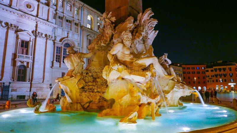 Download Известный фонтан 4 рек на аркаде Navona в Риме Стоковое Изображение - изображение насчитывающей sightseeing, европа: 81807571