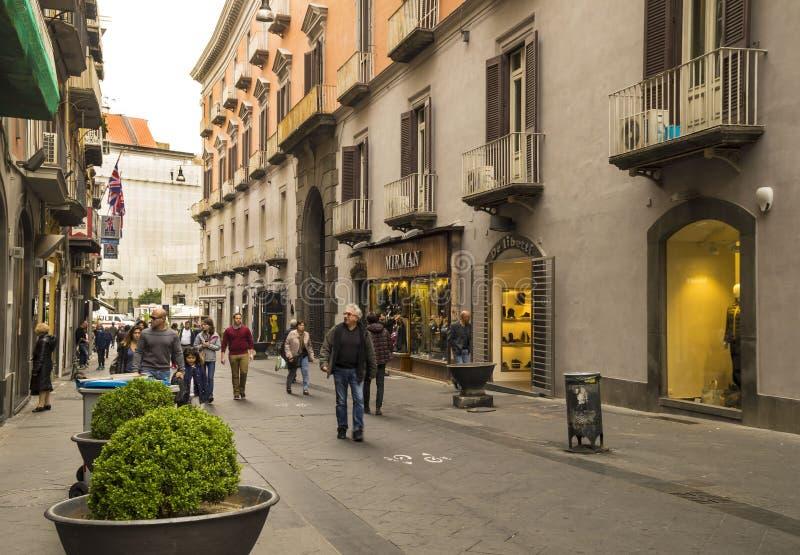 Известный через Chiaia в Неаполь, Италии стоковые изображения rf
