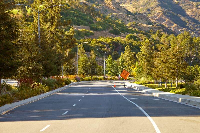 Извилистая дорога вниз с Hollywood Hills стоковое изображение rf