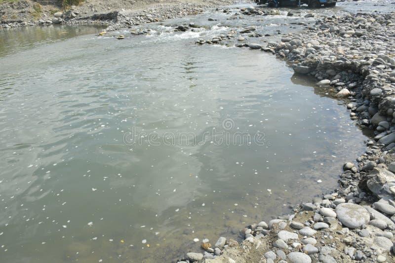 Извлечение песка и гравия реки Mal, Matanao, Davao del Sur, Филиппин стоковое фото