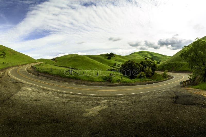 Изгибать дорогу в Ливерморе Калифорнии стоковые фотографии rf