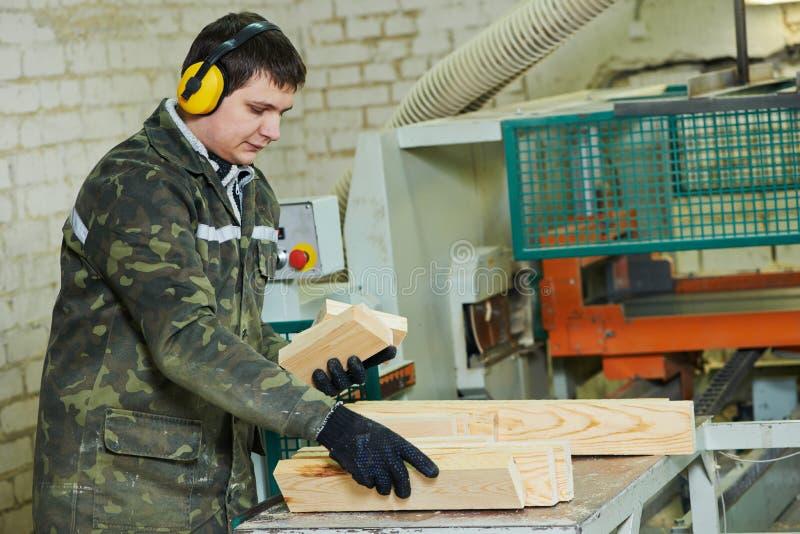 Изготовление обработки древесины стоковое фото