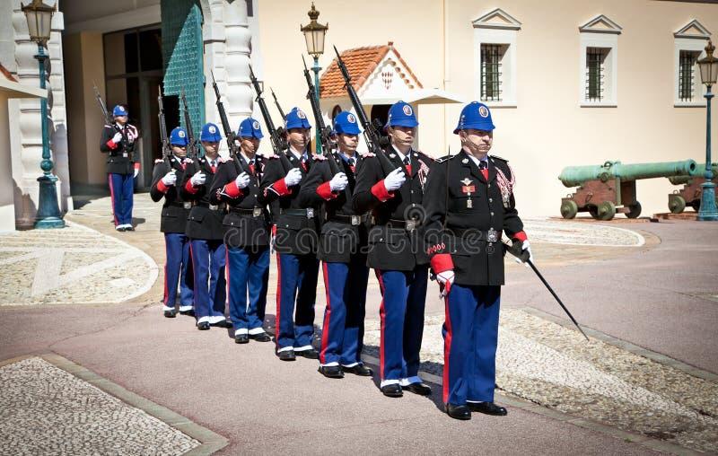 Изменение Guardin Монте-Карло, Монако стоковая фотография