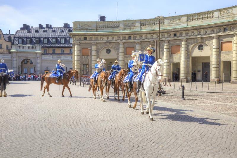 Изменять предохранителя около королевского дворца Швеция Стокгольм стоковая фотография rf