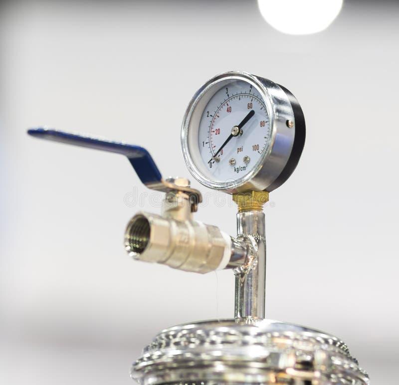 Измерительный прибор с круговой шкалой давления для измеряя воздушного давления стоковая фотография rf