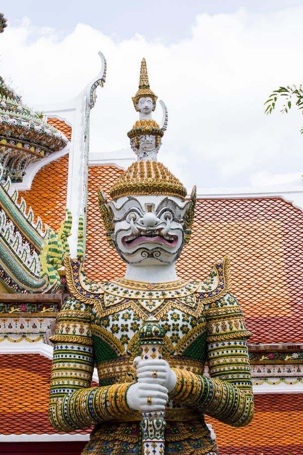 Измерьте гигант в виске Arun Бангкока, Таиланда стоковая фотография