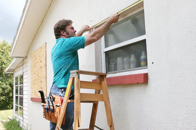 измеряя окна стоковая фотография rf