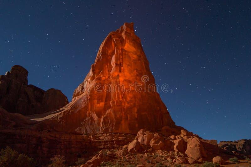Изображение ландшафта утеса ночи национального парка сводов стоковое фото