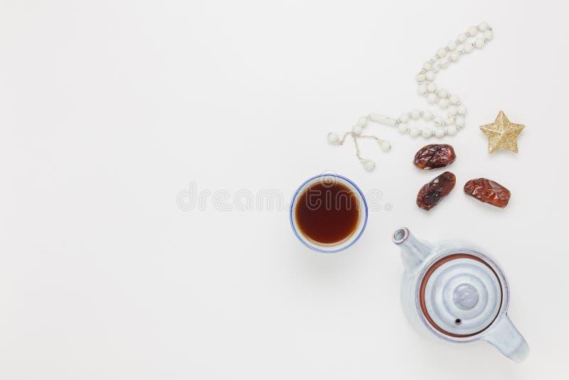 Изображение взгляда столешницы воздушное предпосылки праздника Рамазана Kareem украшения стоковая фотография