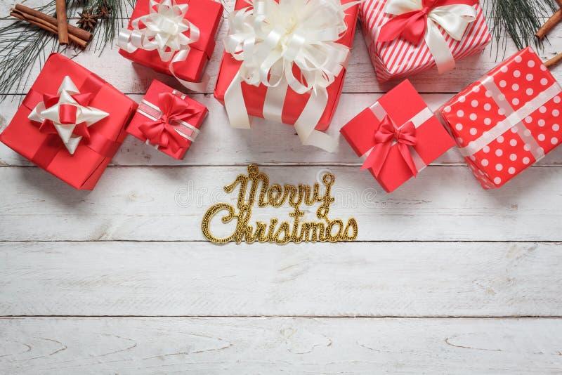 Изображение взгляд сверху воздушное концепции украшения & орнамента с Рождеством Христовым & счастливой Нового Года Текст сезона  стоковые фото