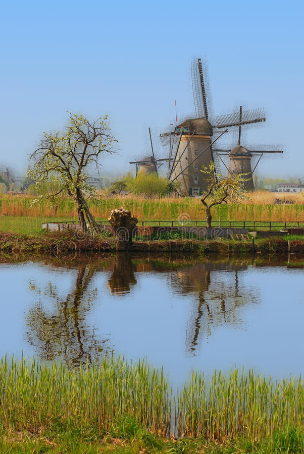 Изображение выдуманного воображения whereby деревянные элементы начинают дезинтегрировать стоковое фото