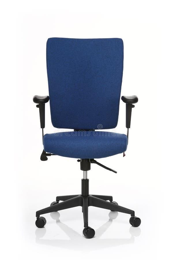 Изображение голубого стула офиса изолированного на белизне стоковая фотография rf