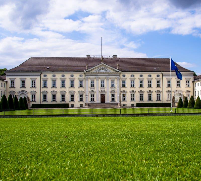 Изображение дворца Bellevue, Берлин лета, Германия стоковое фото