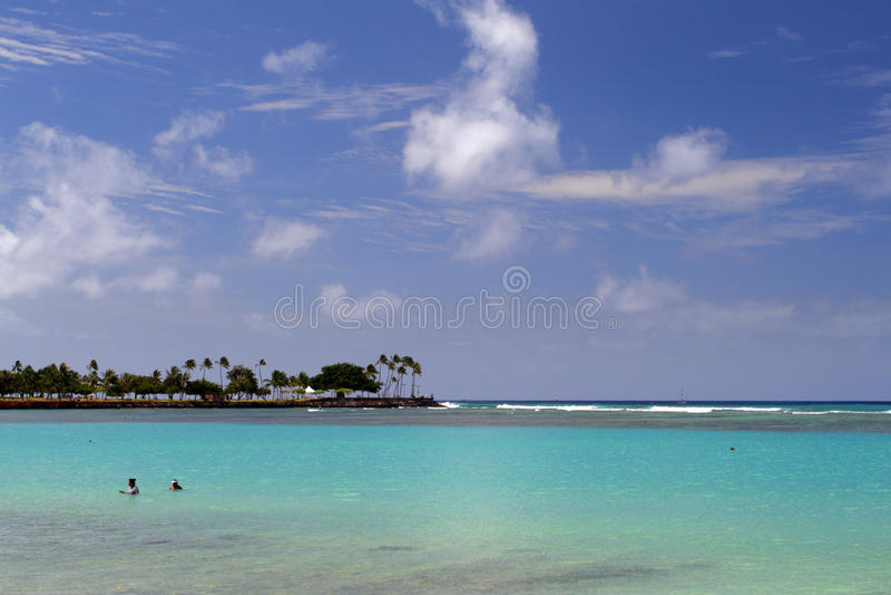 Изображение запаса пляжа Waikiki, Гонолулу, Оаху, Гаваи стоковое изображение rf