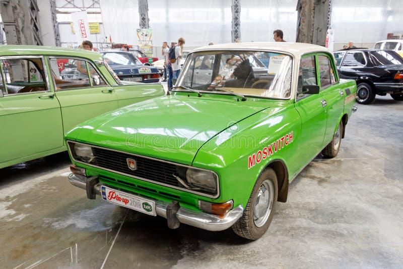 Изображение запаса Moskvich 2140 винтажное автомобильное стоковое изображение