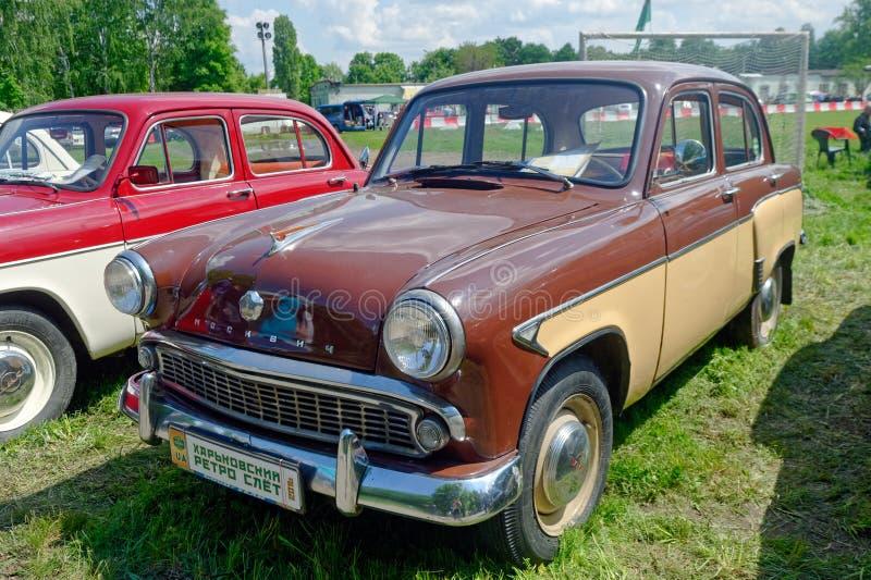 Изображение запаса Moskvich 407 винтажное автомобильное стоковые изображения