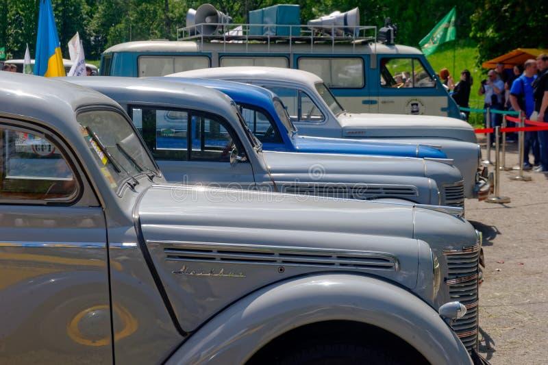 Изображение запаса Moskvich 401 винтажное автомобильное стоковое фото