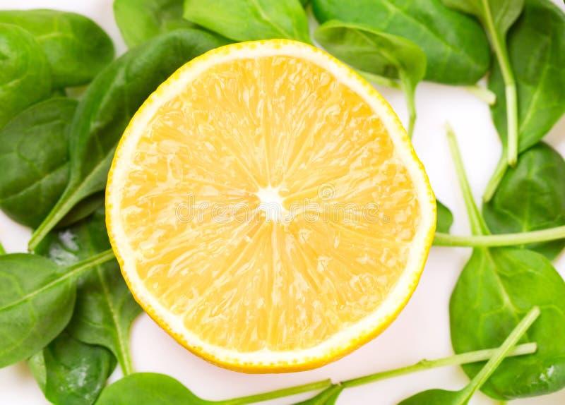 Изображение конца-вверх свежих кусков лимона стоковое фото rf