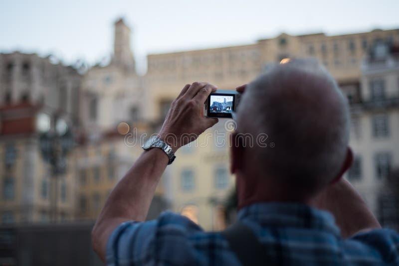 Изображение Лиссабона Лиссабона туристское принимая стоковая фотография