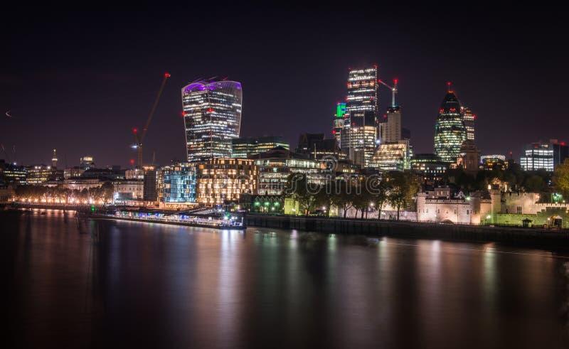 Изображение ночи города Лондона стоковое фото rf