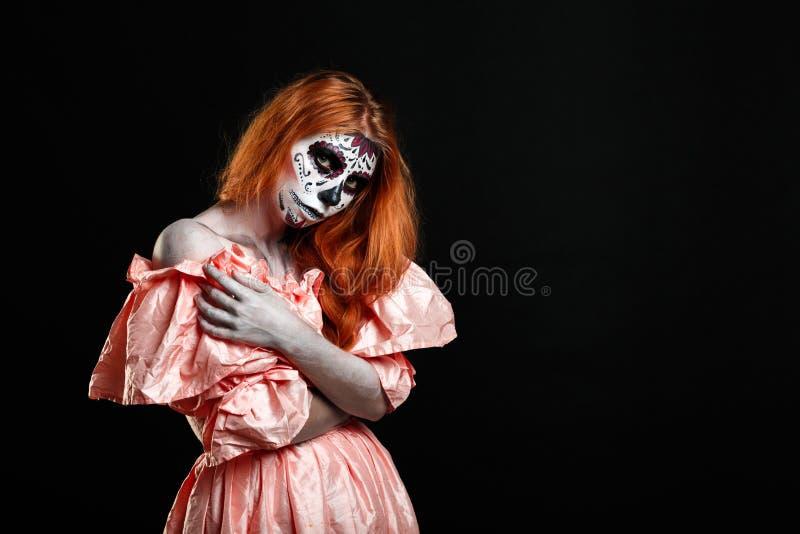 Изображение портрета женщины redhead, которая готова на хеллоуин стоковая фотография rf