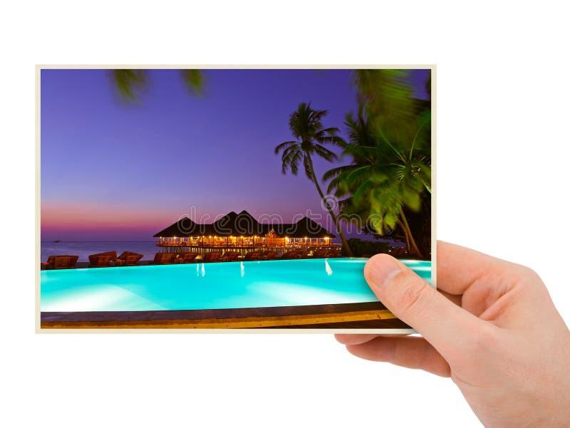 Изображение пляжа руки и Мальдивов (мое фото) стоковое изображение
