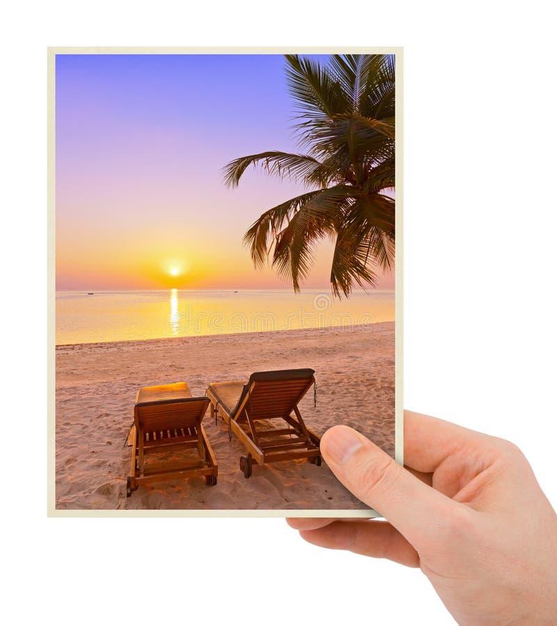 Изображение пляжа руки и Мальдивов & x28; мое photo& x29; стоковое изображение rf