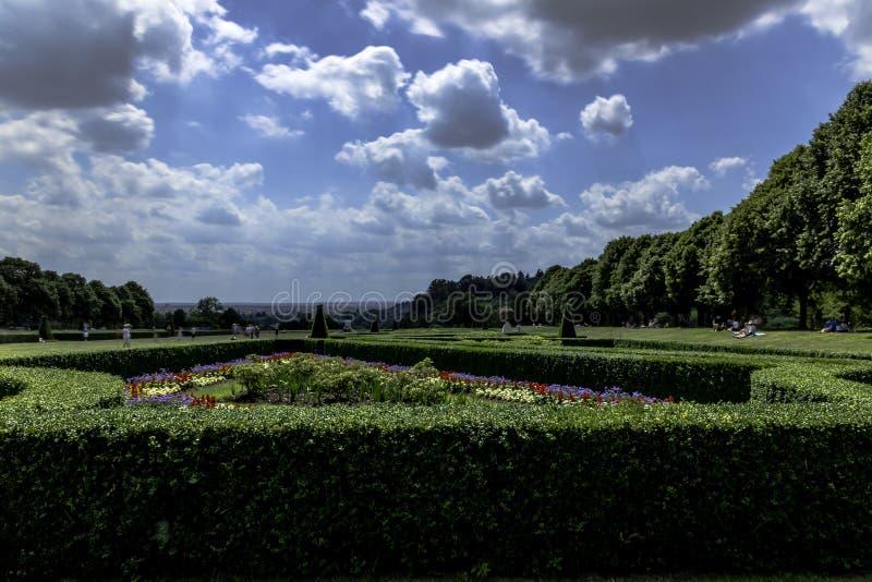 Изображение сада Cliveden в Taplow, Backinghamshire, Великобритании стоковое фото rf