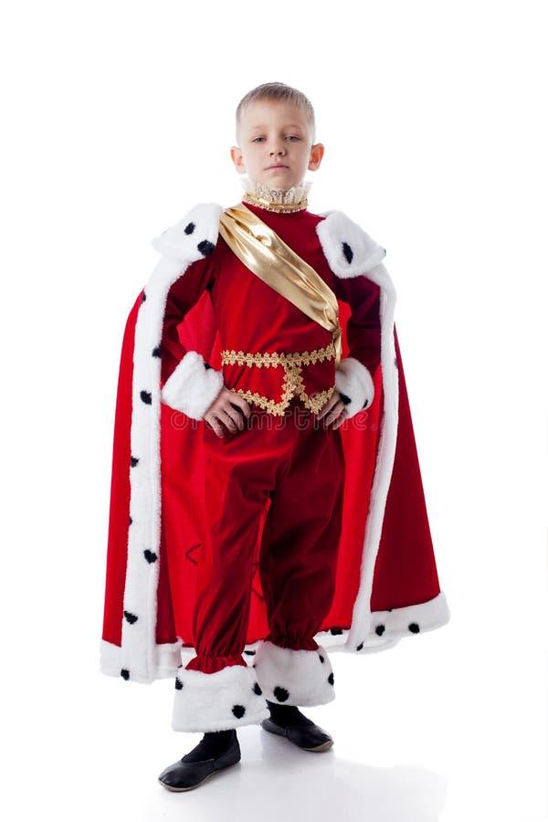 Изображение самодовольного маленького короля изолированного на белизне стоковая фотография