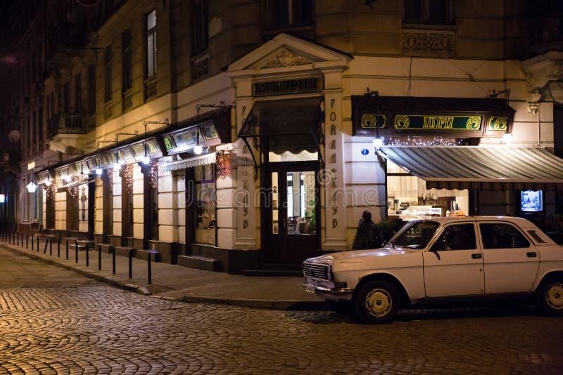 Изображение старого европейского города на ноче стоковое изображение