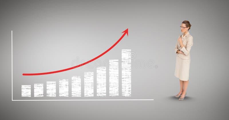 Изображение цифров составное коммерсантки смотря столбчатую диаграмму и стрелку стоковая фотография rf