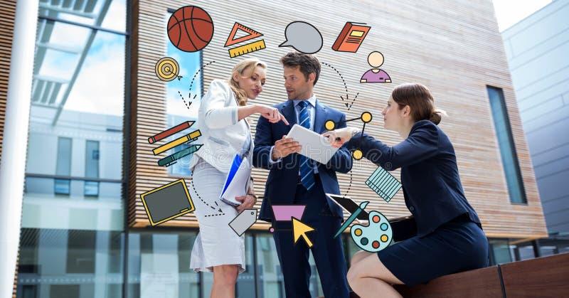 Изображение цифров составное различных значков при бизнесмен обсуждая в предпосылке стоковое фото