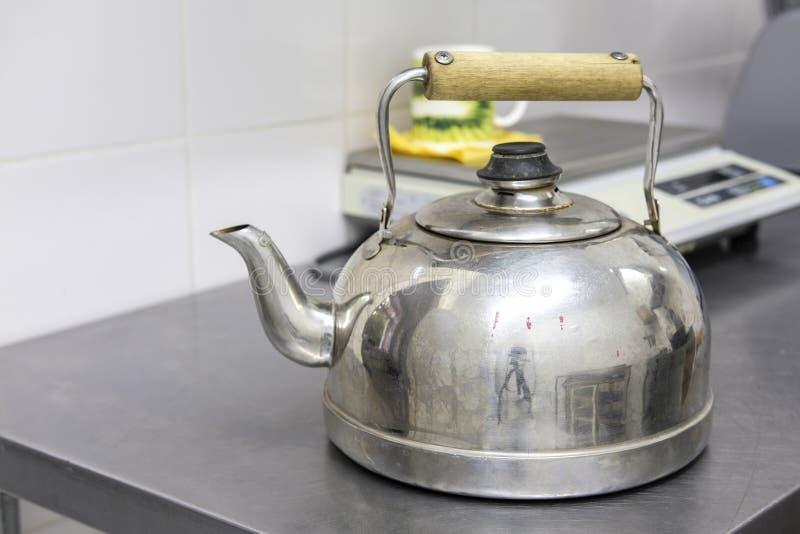 изображение чайника стоковое изображение rf