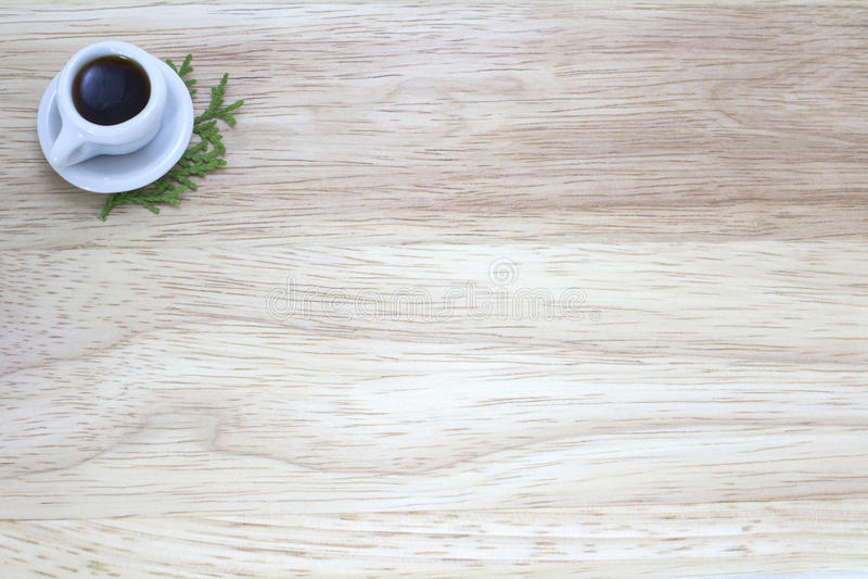 Изображение чашки кофе с деревянной предпосылкой стоковая фотография rf