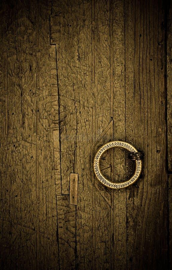Изображение Close-up стародедовских дверей стоковое изображение