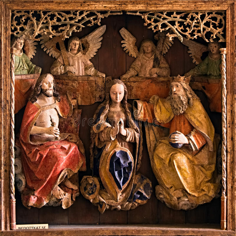 Изображение - woodcarving, показывает религиозную тему стоковая фотография