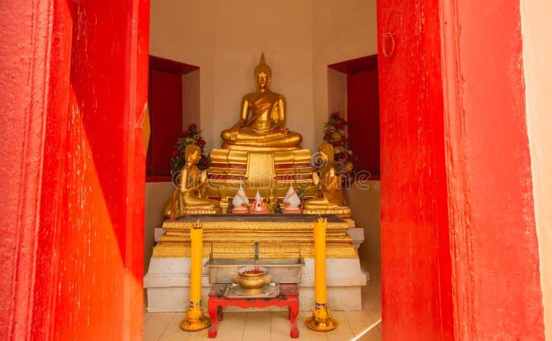 Изображения Будды и буддийские виски стоковое изображение