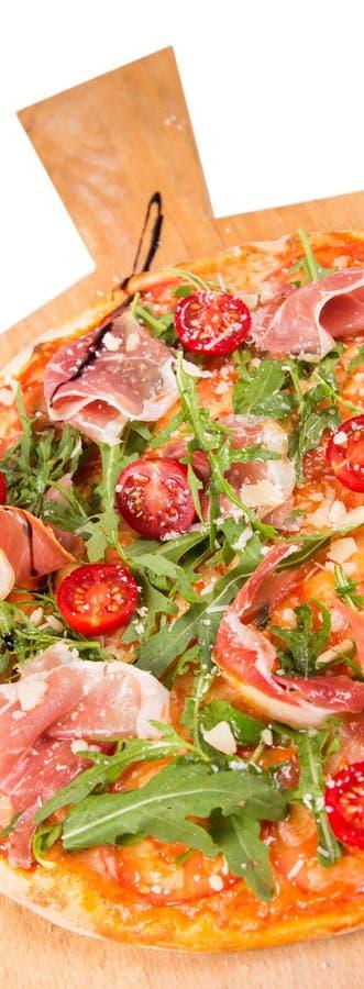 изолированная белизна пиццы стоковая фотография