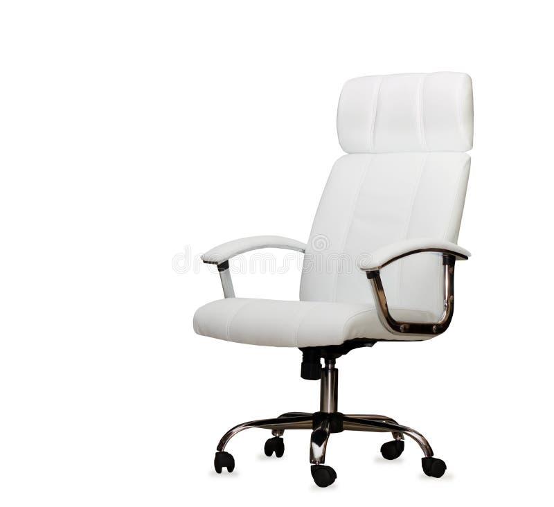 изолированная стулом кожаная белизна офиса стоковое изображение