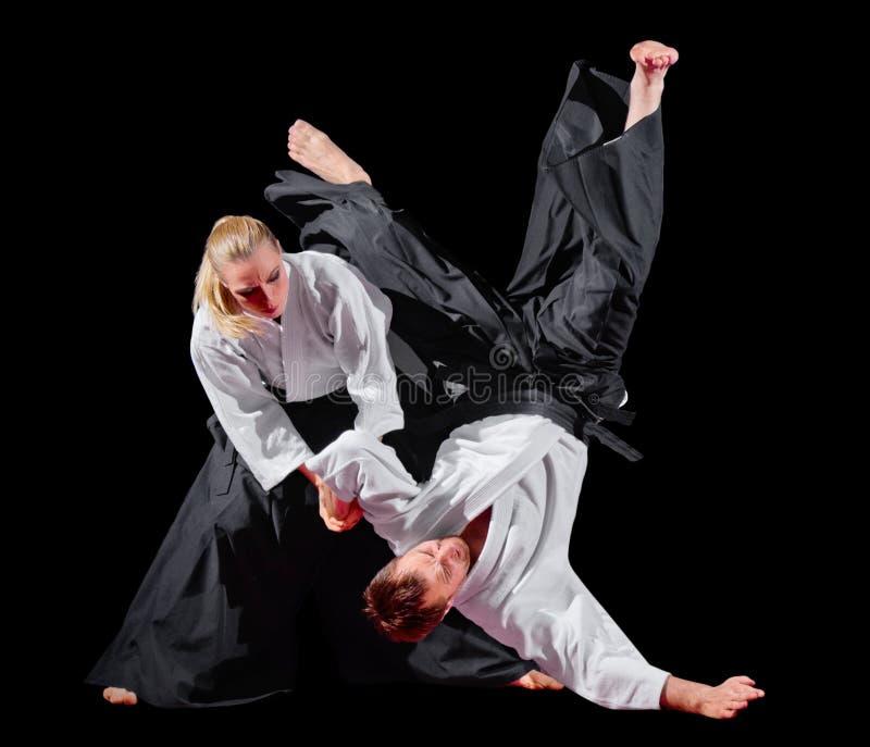 2 изолированного бойца боевых искусств стоковые фото