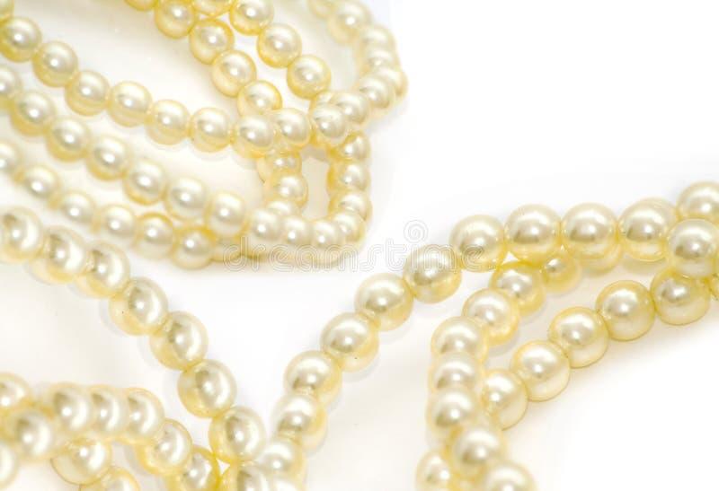 изолированные перлы белые стоковые фото