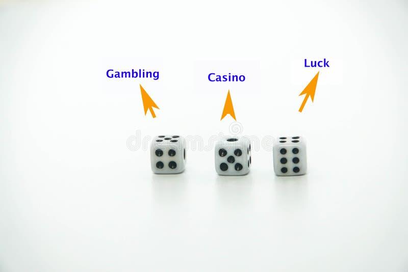 Изолированные стороны кости для азартной игры в казино стоковые изображения