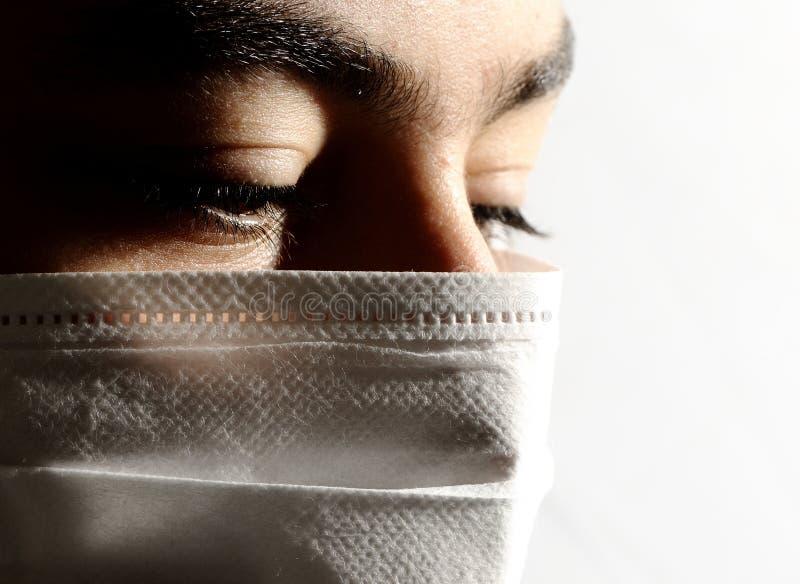 изолированный вирус маски стоковое изображение rf