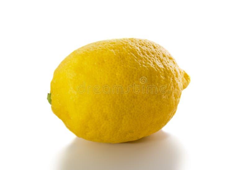 Download изолированный лимон стоковое изображение. изображение насчитывающей backhoe - 6857033