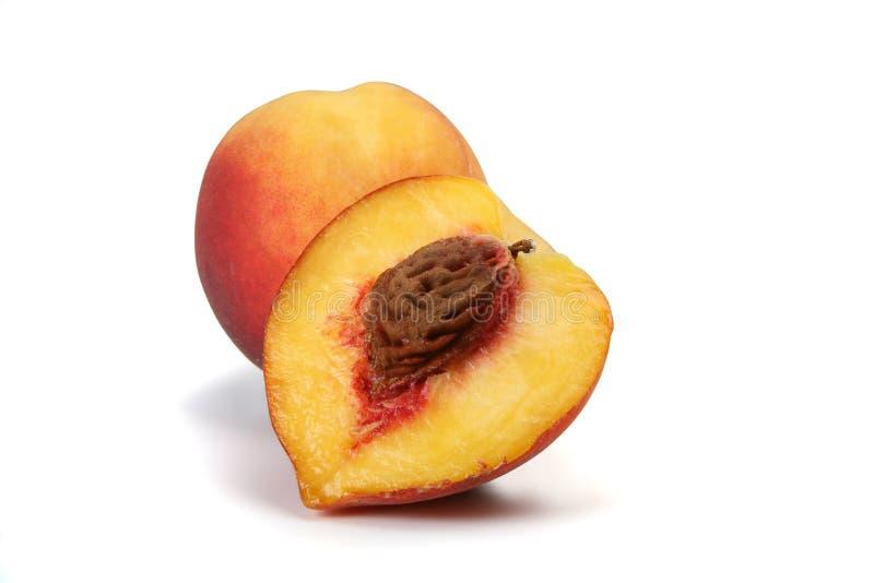 изолированный персик стоковые изображения
