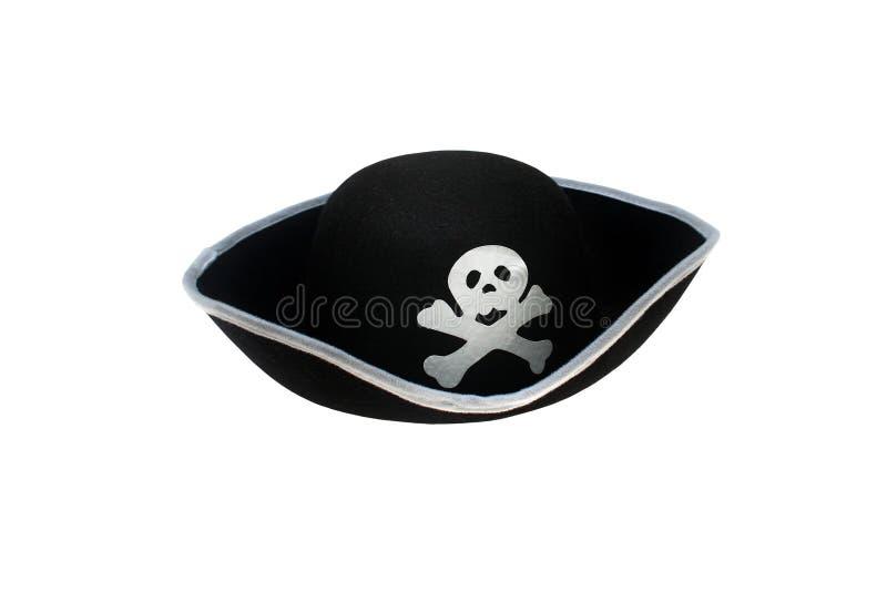 изолированный шлемом череп пирата стоковые фото